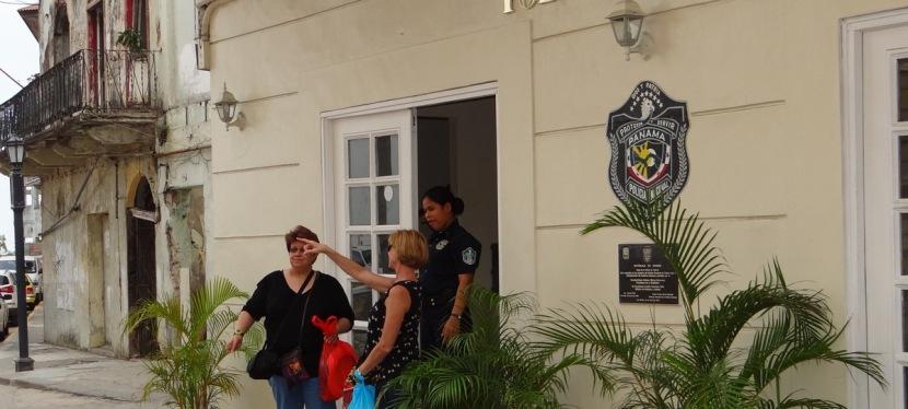 Policía de Turismo…