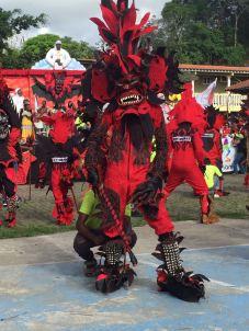 Una colorida manifestación del folcklore panameño