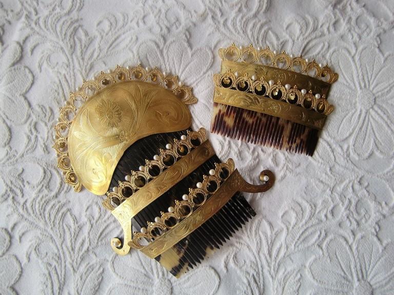 Peinetas de filigrana con perlas
